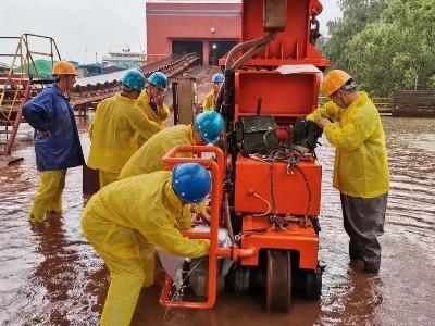304L不锈钢供货商—无锡中兴溢德致敬!抗洪防汛前线的钢铁英雄