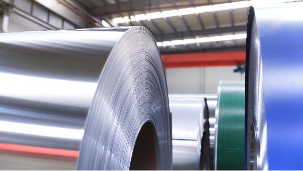 拉丝表面加工的304L不锈钢更容易生锈吗?