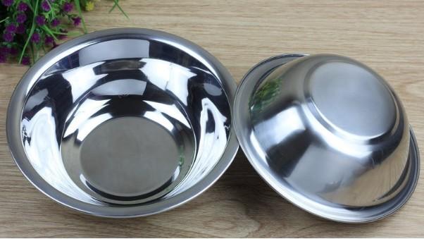 科普   不锈钢碗可以放微波炉加热吗?