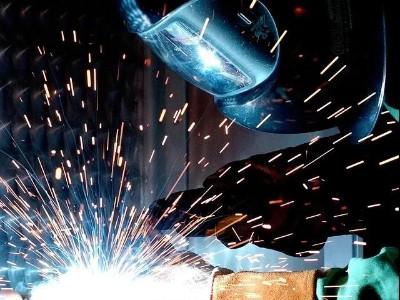 为什么304L不锈钢板材在焊接时会出现裂纹?