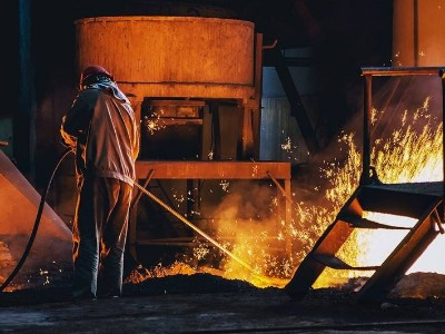 青山、德龙合建印度尼西亚德信钢铁项目烧结1号线热负荷试车成功