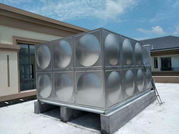 304L低碳不锈钢冷轧板制成的不锈钢水箱