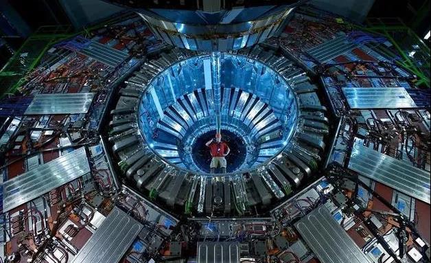 大型强子对撞机(LHC)-1