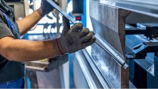 一块304L不锈钢冷轧板是如何被折弯的?